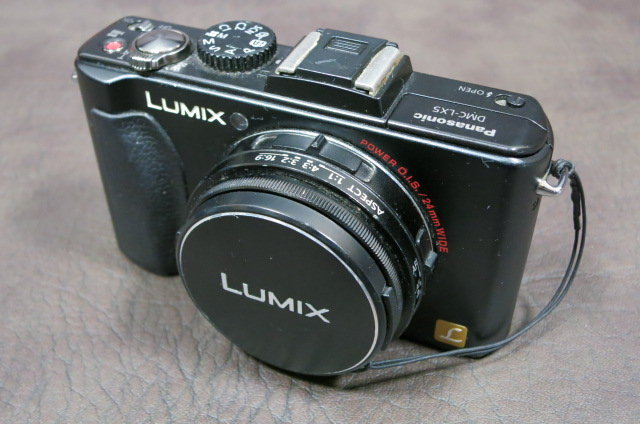 Panasonic LUMIX DMC-LX5 前面