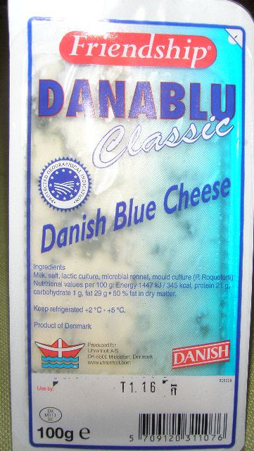 Danish_blue_cheese_2