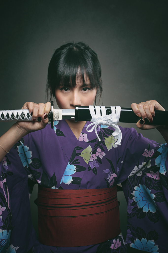 Beautiful Japanese woman draw japanese sword-katana in kimono(日本刀を抜く着物姿の美しい日本人女性)