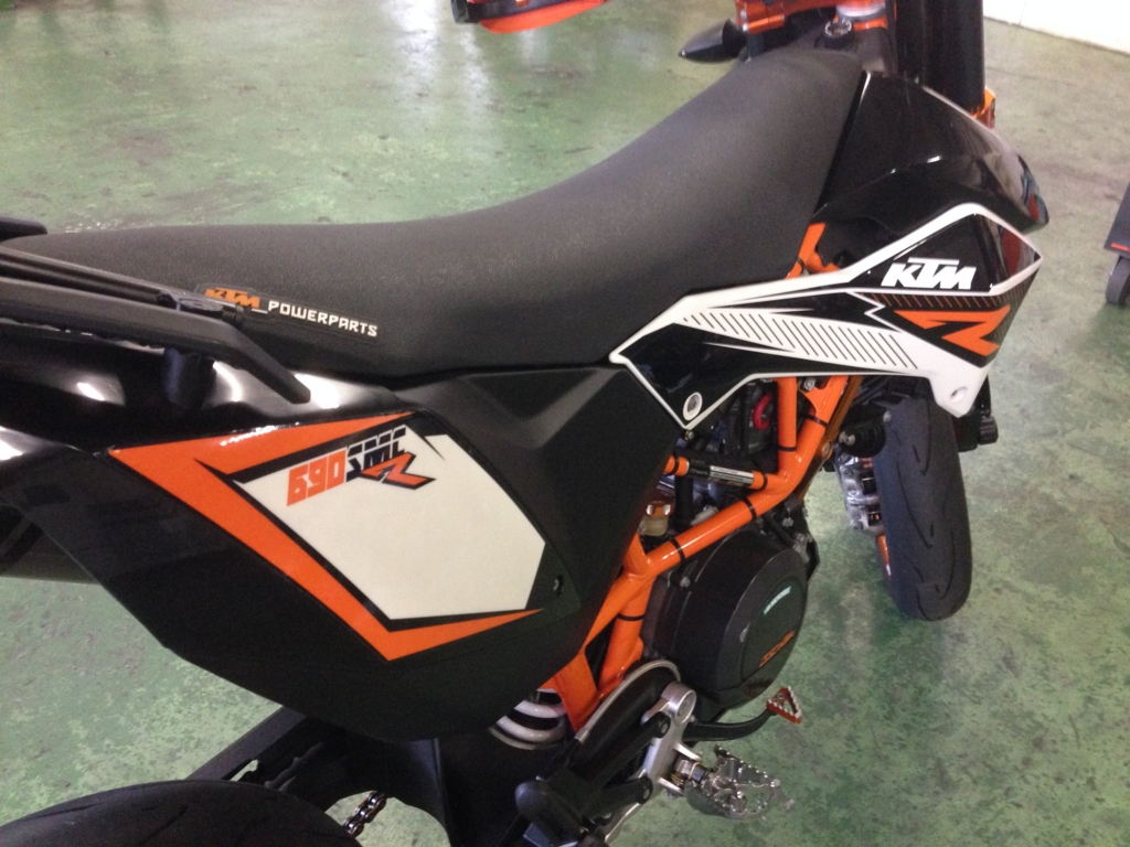 f:id:ktm390duke:20151116200519j:plain