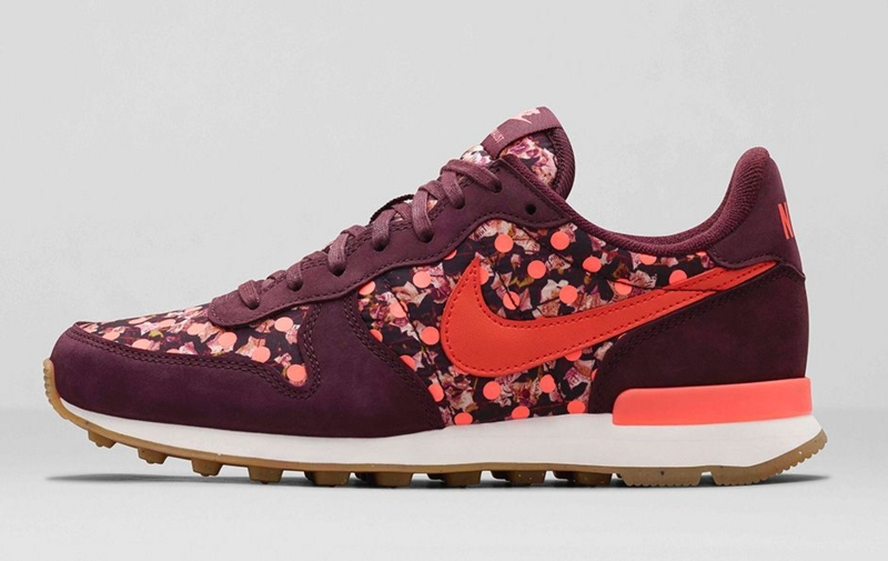 Nike Internationalist Liberty