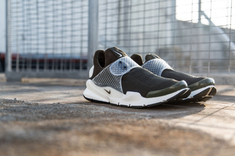 Fragment Design x Nike Sock Dart Dark Loden