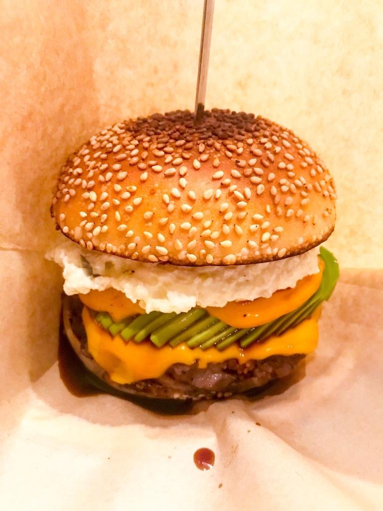 fledged burger アボチー+チーズ
