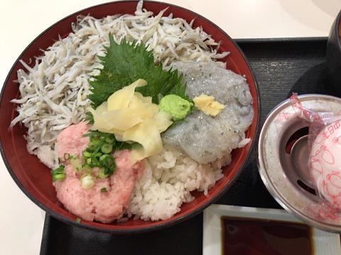 仲買の海鮮丼1