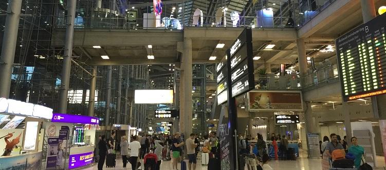 タイ空港へ到着後の空港内の様子