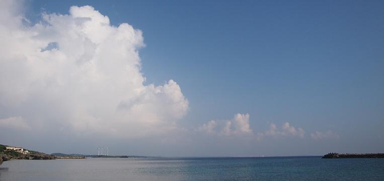 宮古島でみる入道雲