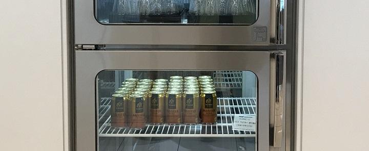 ラウンジの冷蔵庫にあるエビスマイスター