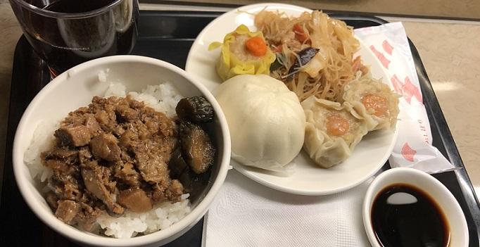 松山空港のラウンジの食事