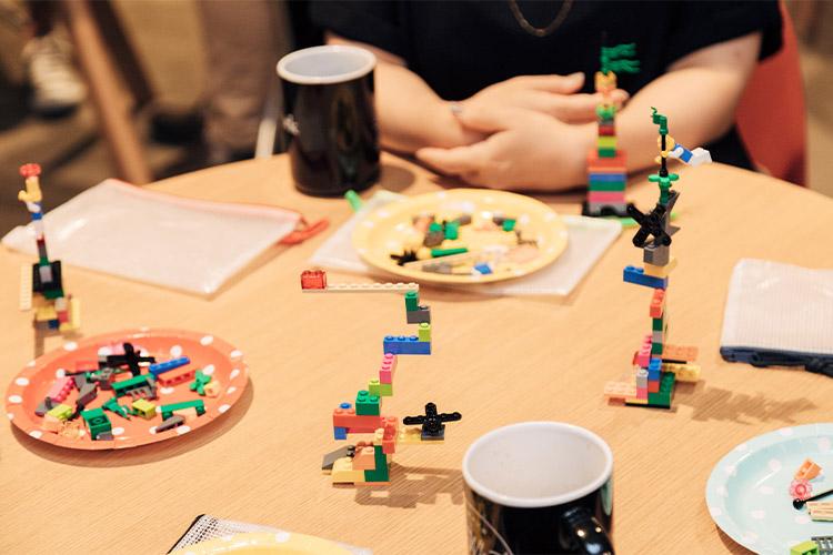 LEGO® SERIOUS PLAY®で「ビジョン形成」の流れを体験