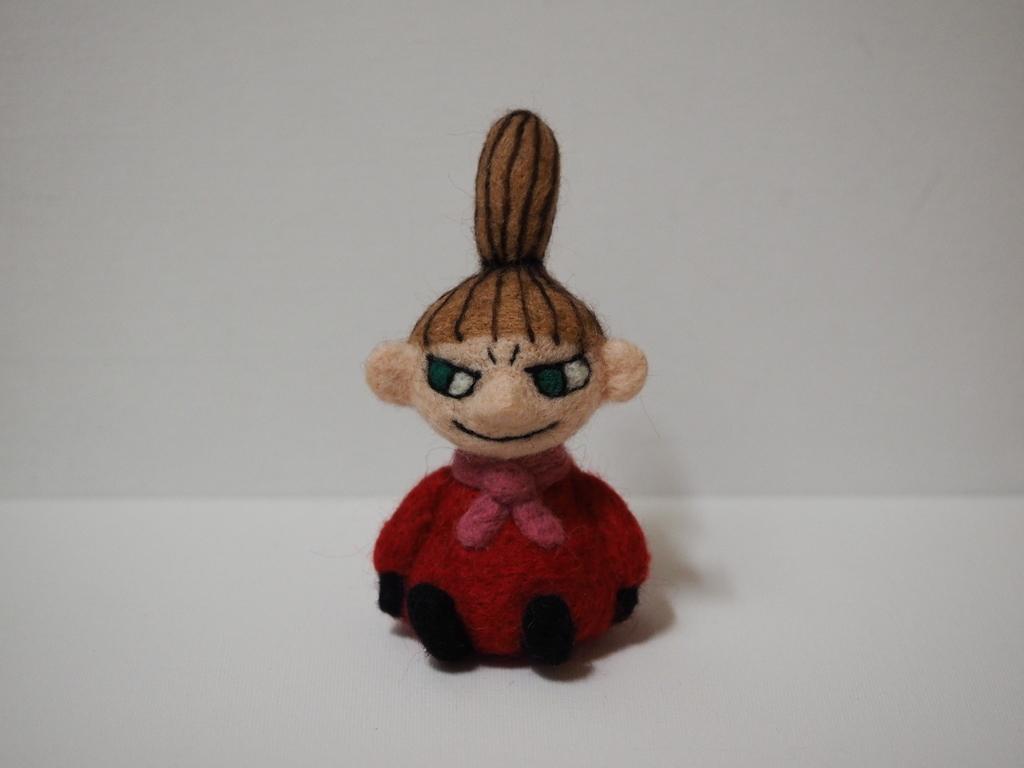 羊毛のフェルトのミィ