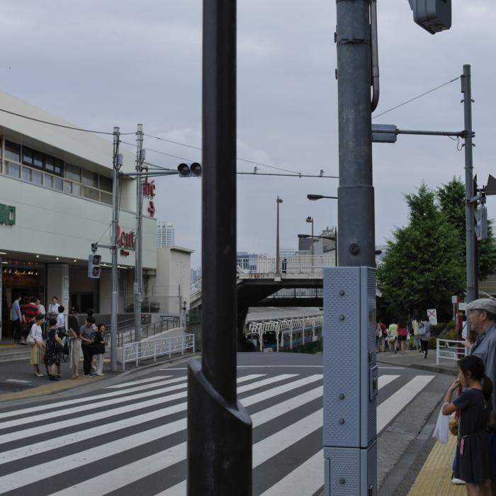 上野 信号待ち 横断歩道