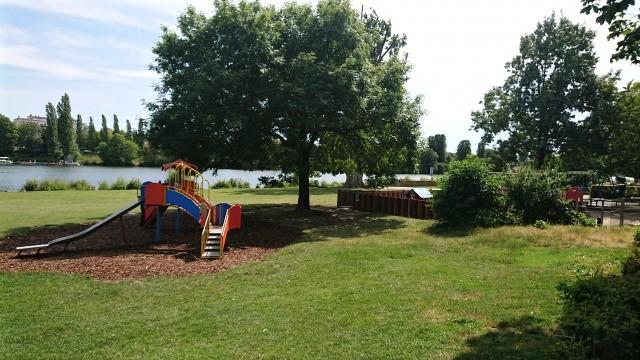 ハイデルベルク ネッカーヴィーセ 遊具公園
