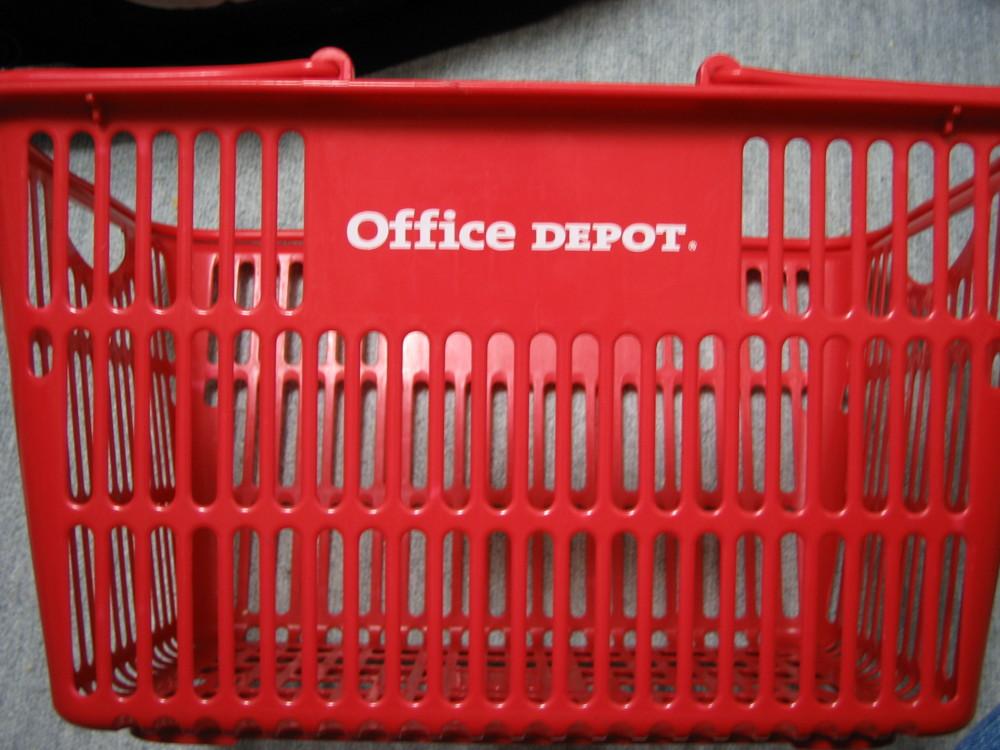OFFICE DEPOTのカゴ