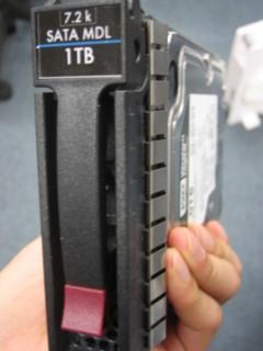 HPの3.5インチHDDトレイ