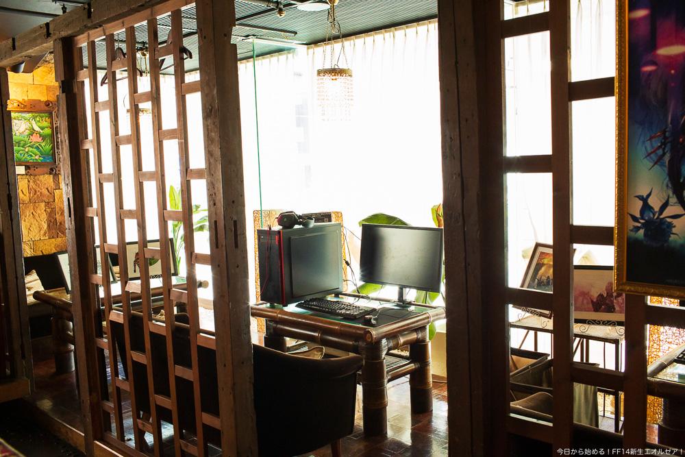 エオルゼアカフェ横浜店の店内に設置されているPCスペース。ここからFF14にログインすることも出来る。(FF14)