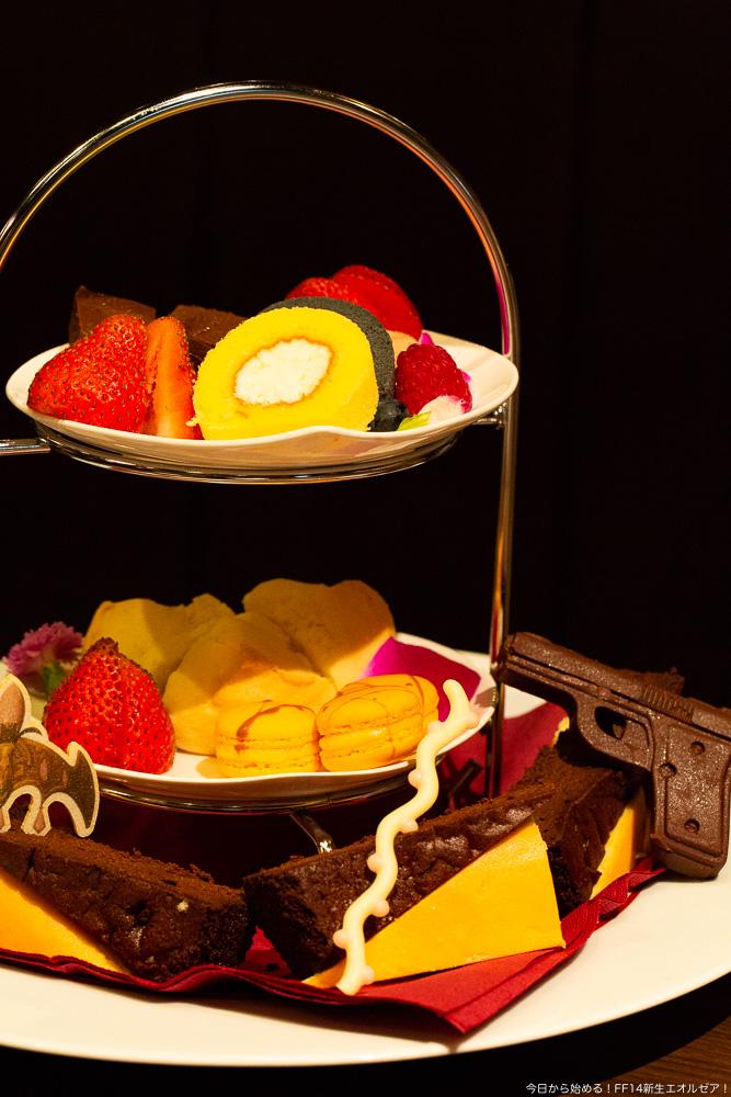 エオルゼアカフェ横浜店で提供されているデザート「三国女子の秘密の女子会」。様々なスイーツの盛り合わせ。(FF14)