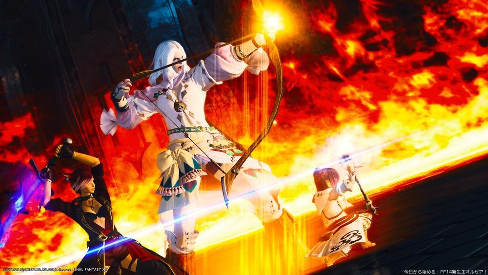 燃え盛る炎を背景に、戦闘態勢の光の戦士三人。(FF14)