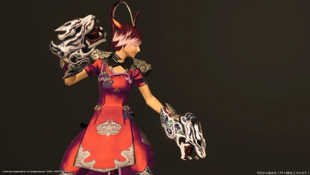 モンクの伝統武器であるスファライを強化した、「スファライ・アートマ」を装備しているミコッテ族女性のモンク。(FF14)
