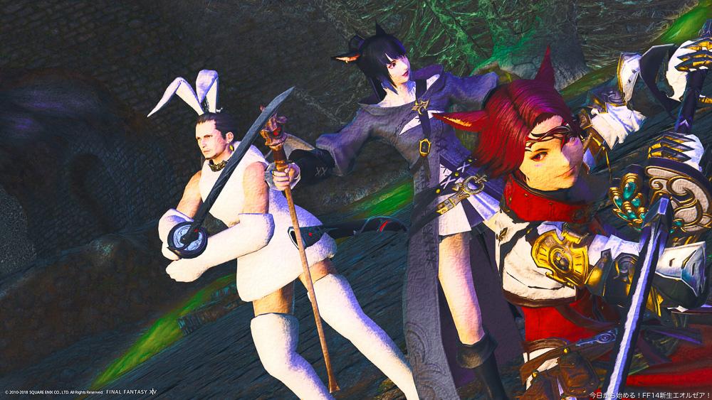 左から、モーグリ(?)のコスプレをしたヒューラン、呪術師のミコッテ、暗黒騎士のミコッテの3人組。トトラクにて撮影。(FF14)