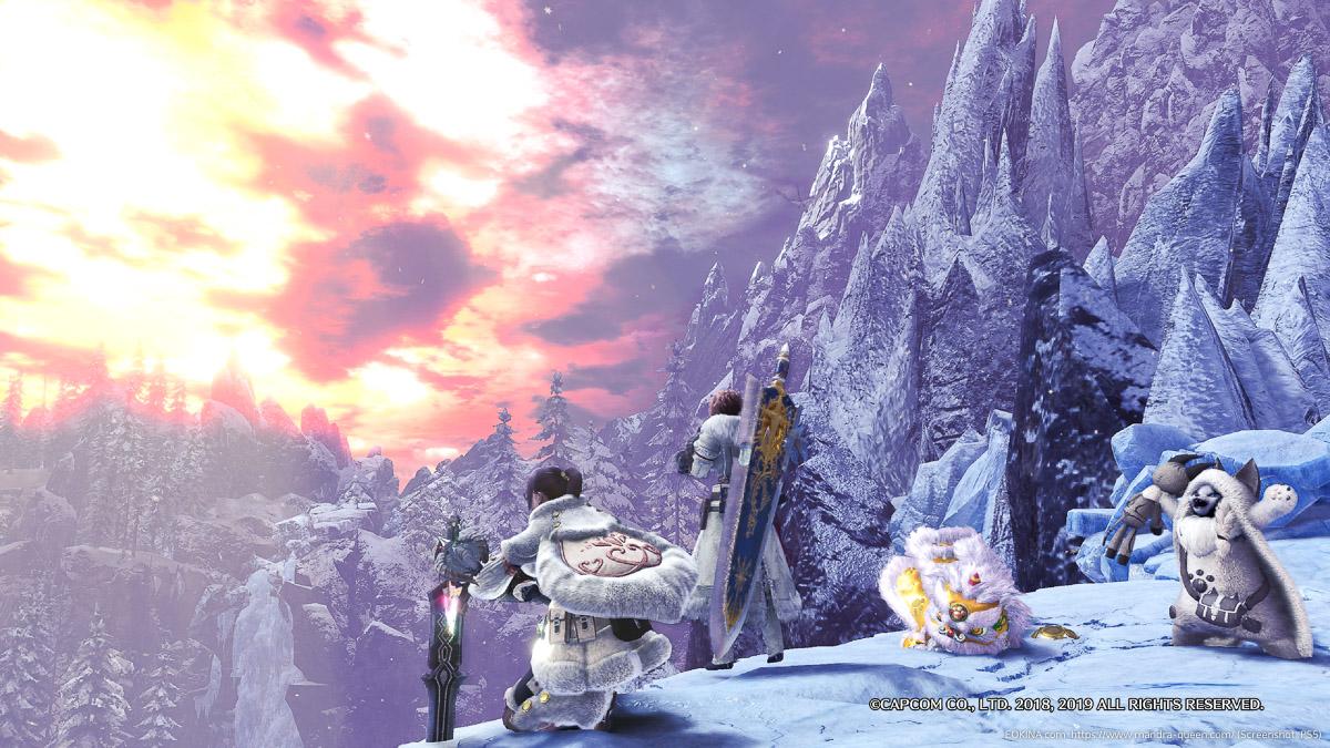 夕焼けの雪山でポーズをとる二人のハンターと二匹のアイルー