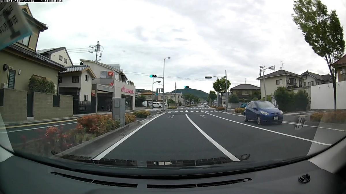 ❸マツダ 岡山530 ゆ 7111(仕事場集落前に青塗色)