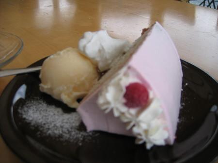 フランボワーズシフォンケーキ