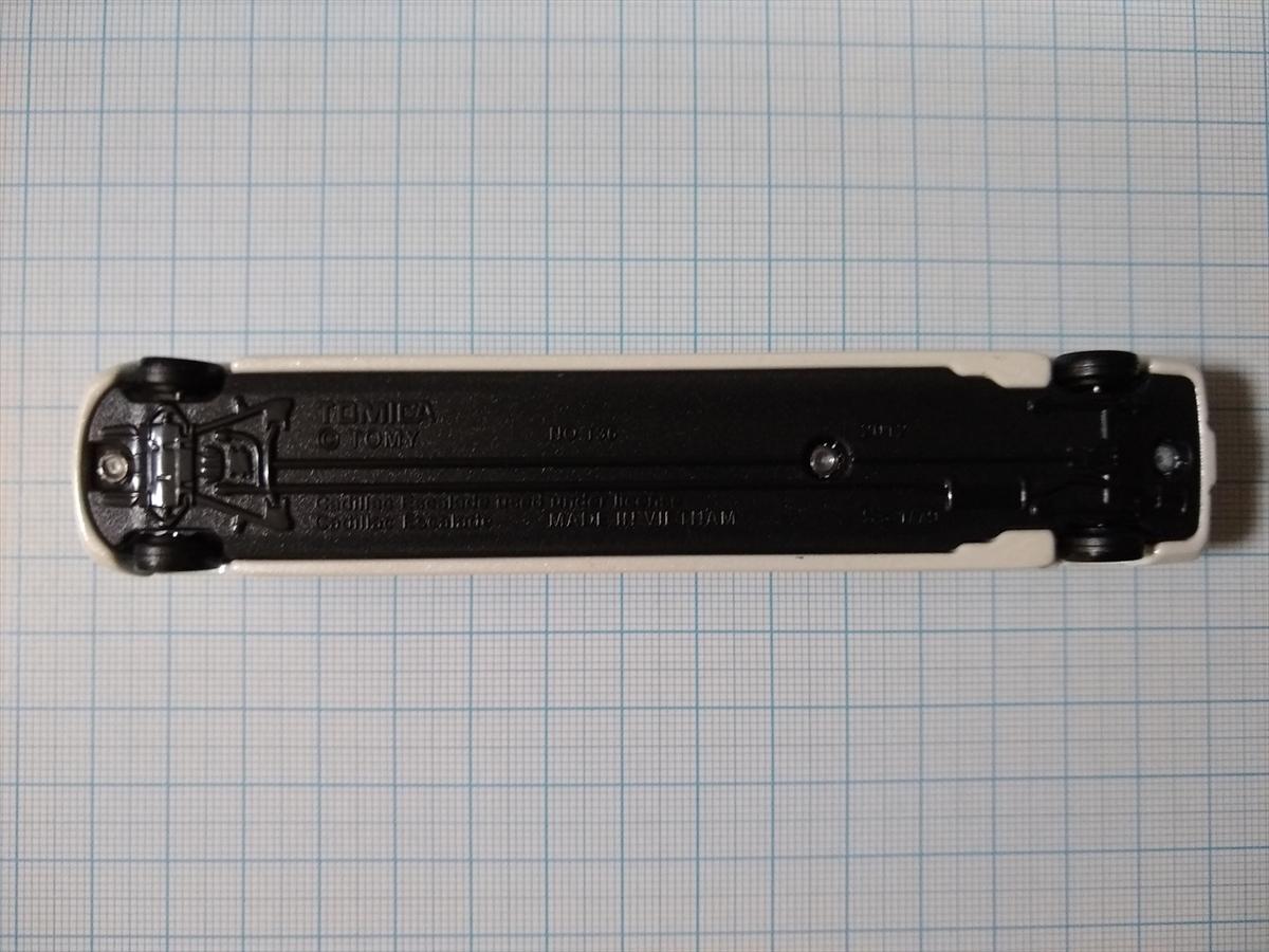 トミカ No.136 キャデラック エスカレードの画像6