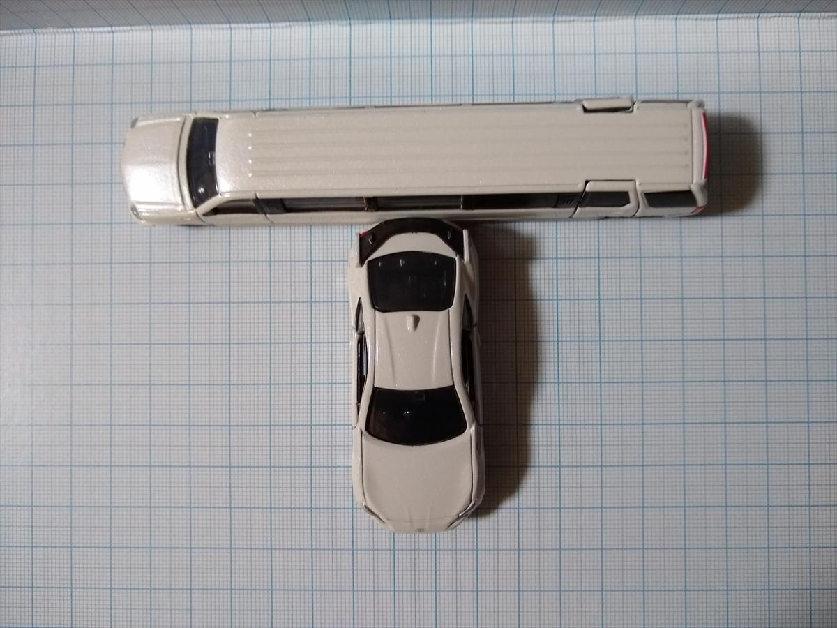 トミカ No.136 キャデラック エスカレードの画像