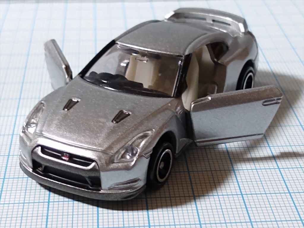 トミカ 日産 GT-R(シルバー) 日産工場見学記念の画像7