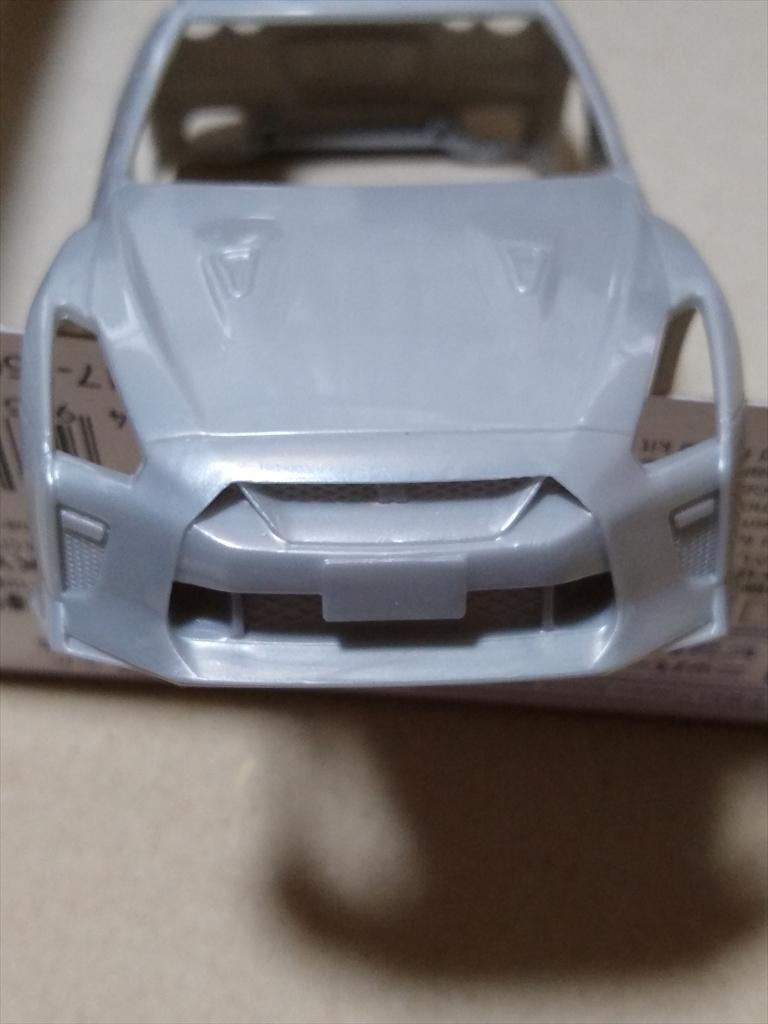 アオシマ ザ・スナップ キット NISSAN GT-R/アルティメイトメタルシルバーの画像3