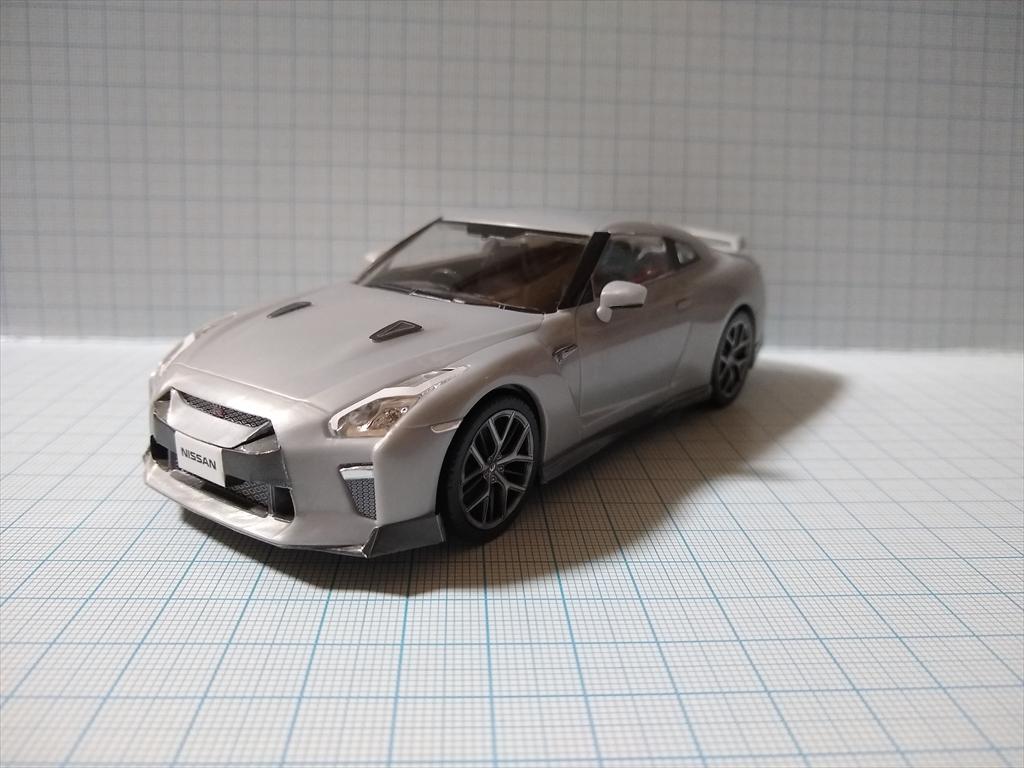 アオシマ ザ・スナップ キット NISSAN GT-R/アルティメイトメタルシルバーの画像1