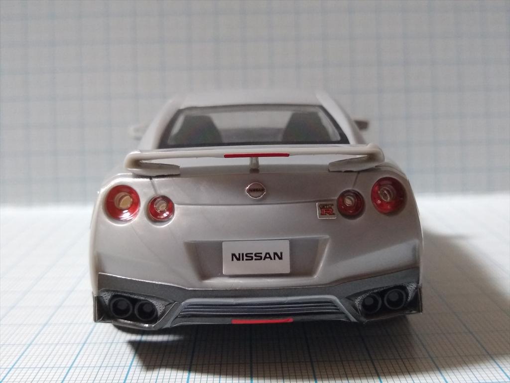 アオシマ ザ・スナップ キット NISSAN GT-R/アルティメイトメタルシルバーの画像2