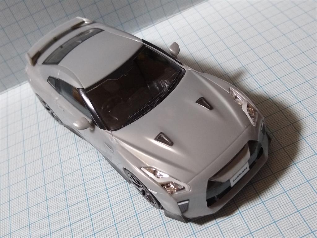 アオシマ ザ・スナップ キット NISSAN GT-R/アルティメイトメタルシルバーの画像5