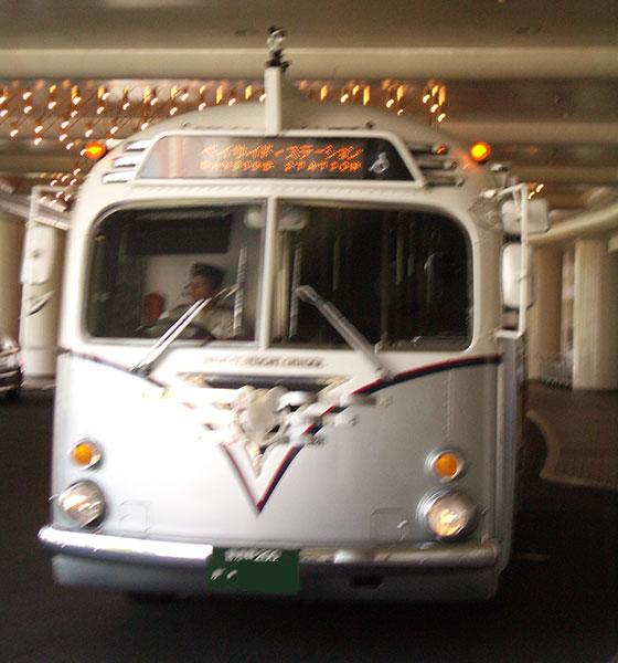 ディズニーリゾートクルーザー 通称「ミッキーバス」