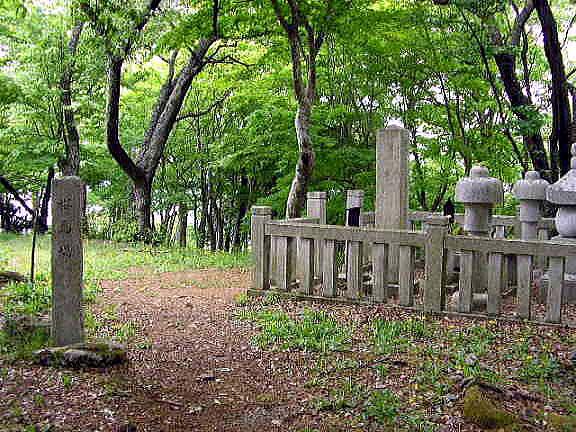 ■桜馬場と浅井氏供養塔