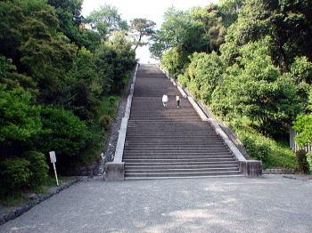 230段の石段