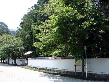 紅葉谷公園・吉川家墓所前の道