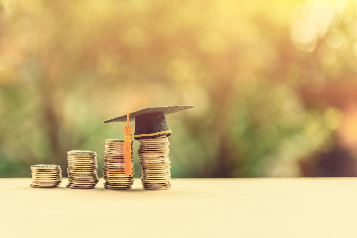 大学とお金