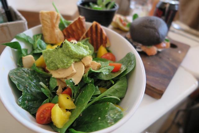 全て野菜から食べる事をスタートする
