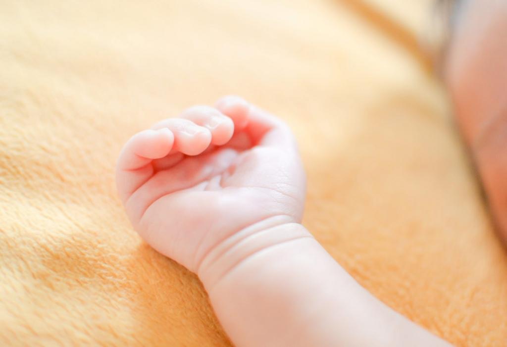 赤ちゃんの湿疹の原因とケア方法