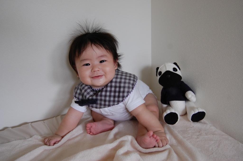 おすわりで景色が変わる生後6ヵ月から7ヵ月の赤ちゃんの特徴