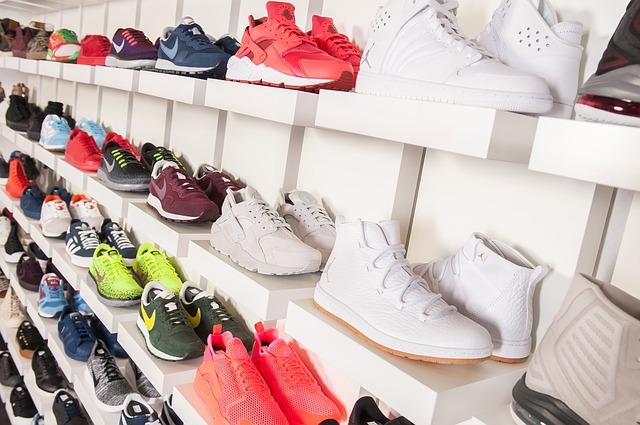 玄関にある靴を捨てる