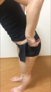 骨盤ショーツクリスチャンココの履き方を説明している写真④