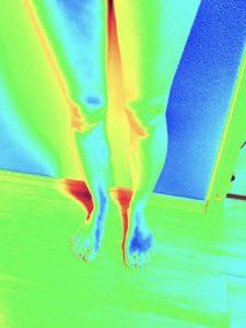 メディレギンスを履いてない時の脚部のサーモグラフィー
