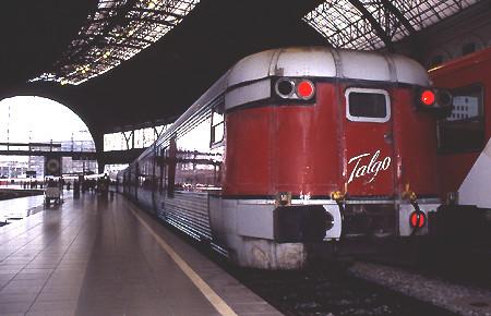 個別「[鉄道]バルセロナ・フランサ駅に停車する「カタランタルゴ」」の写真、画像 - 鉄道 - Blueforce's fotolife