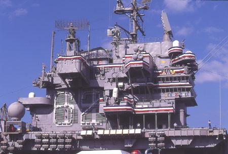 1997年9月小樽に寄港した空母インディペンデンス