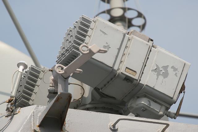 ジョン S.マッケインJohn S.McCain艦橋上部のMk46 OSS