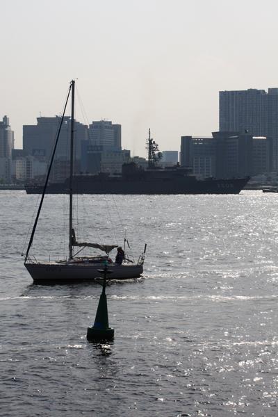2008年4月6日 晴海に入港する練習艦かしま