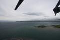 [旅行]館山上空を飛ぶ「しらせ」搭載S-61(8187)から館山湾を見る