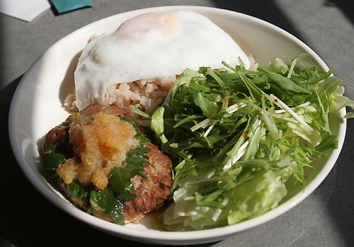 横浜元町「茶倉」の豆腐ハンバークランチ